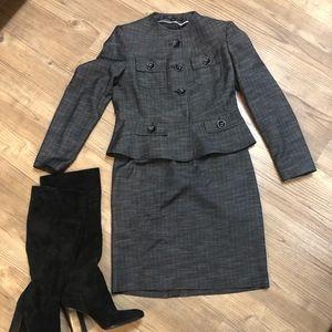 Anne Klein Size 4P suit